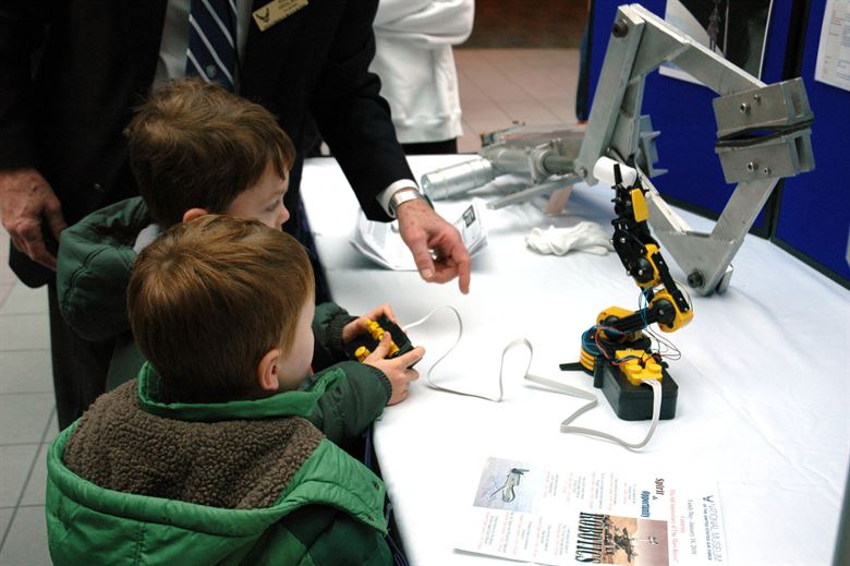 10 Ways Kids Can Learn About Robotics in 2021