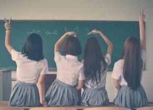 13 Ways to Empower Girls to Code In 2021